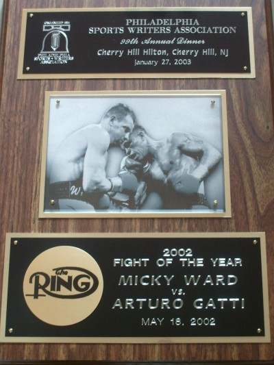Arturo Gatti vs Micky Ward I STUNNING Plaque Awarded To Them By The Philadelphia Sports Writers Association