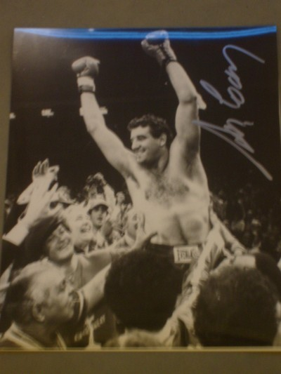 Gerry Cooney Former WBC Heavyweight Contender SIGNED Victory Celebration Photo