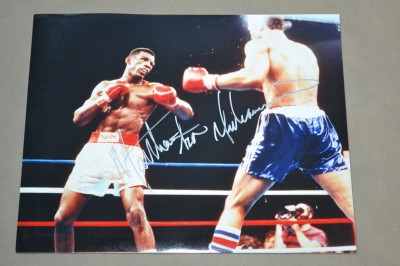 Matthew Saad Muhammad Former WBC Light Heavyweight World Champion And Hall Of Famer SIGNED Action Shot Photo Against John Conteh