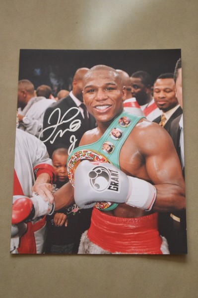 Floyd Mayweather Jr Perhaps The Greatest Ever Boxer SIGNED Photo After Defeating Ricky Hatton
