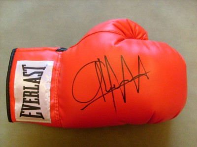 Abner Mares Currently Undefeated 2 Weight World Champion SIGNED Everlast Laced Glove