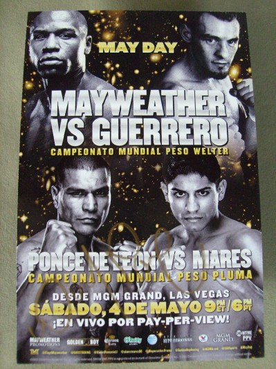 Daniel Ponce De Leon 2 Weight World Champion SIGNED Promotional Card For His WBC Featherweight World Title Fight Against Abner Mares