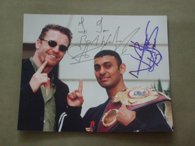 Naseem Hamed vs Vincenzo Belcastro And Steve Collins vs Chris Pyatt DUAL SIGNED By Hamed And Collins 1994 Pre Fight Publicity Photo