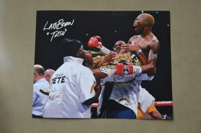 Zolani Tete South African Boxing Sensation And Former IBF Super Flyweight World Champion SIGNED And INSCRIBED Victory Celebration Photo