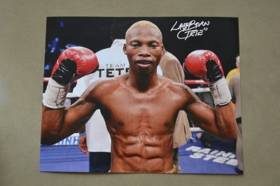 Zolani Tete Explosive Puncher In The 115lb Division With 18 KOs In 22 Wins And 12 Coming Inside The 1st Round SIGNED And INSCRIBED Photo