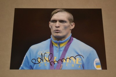 Oleksandr Usyk Former Olympic Gold Medallist And Current Undefeated WBO Cruiserweight World Champion SIGNED Podium Medal Ceremony Photo