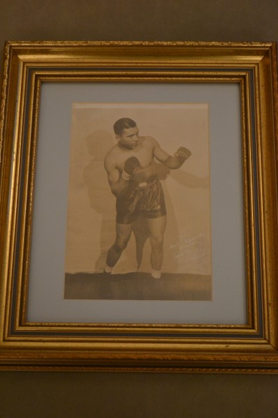 Buddy Walker Former Heavyweight Contender 1939 to 1949 Fought Men Such As Moore And Savold Plus Maxim And Godoy SIGNED And INSCRIBED Boxing Pose Photo