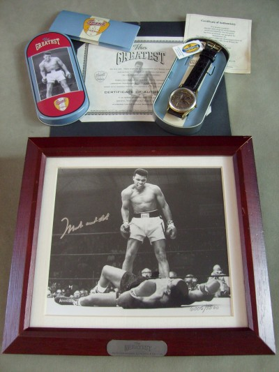 Muhammad Ali Limited Edition AUTOGRAPHED Collectors Fossil Watch Set